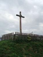 Хрест при в'їзді до Великого Любеня зі сторони с. Мавковичі
